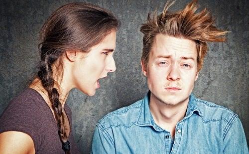 Nieszczęśliwe pary - kobieta i mężczyzna