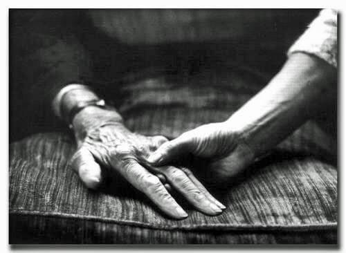 Trzymanie rodzica za rękę