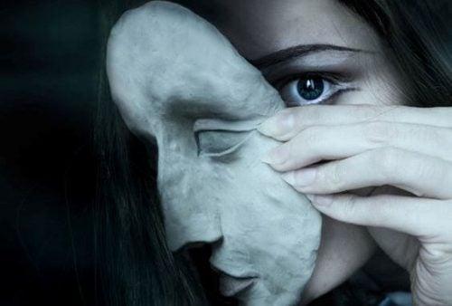 Maska wyniosłości
