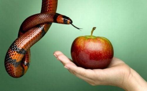 Negatywne emocje symbolizowane przez węża i jabłko