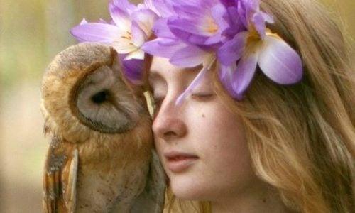 Kobieta z sową