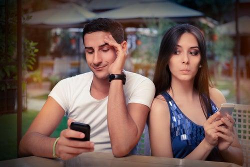 Kontrolowanie zazdrości w otwartym związku