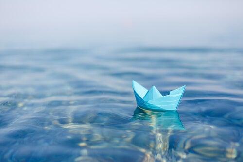 Łódka na wodzie