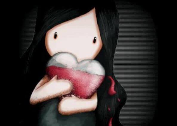 Dziewczyna trzymające serce