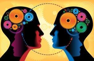 dwie kolorowe głowy - ludzie i błędy komunikacyjne