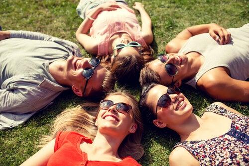 kobiety na trawie