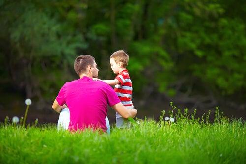 Ojciec uczy dziecko