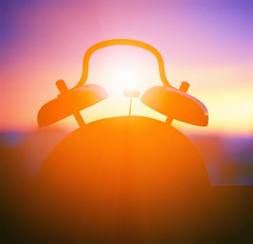 Budzik o wschodzie słońca