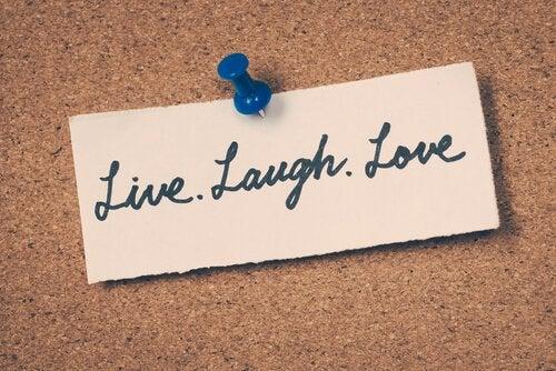 Notka żyj śmiej się kochaj