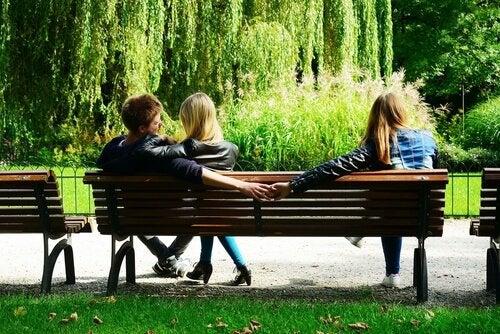 Niewierność - dlaczego tak wiele osób sobie na nią pozwala