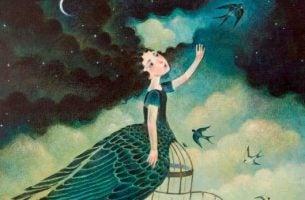 Inteligentna kobieta, która uwalnia ptaszka z klatki