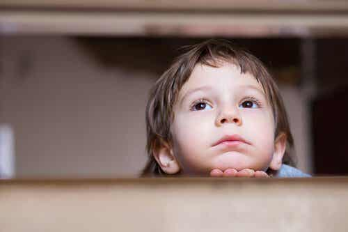 Narzekanie słyszane w dzieciństwie a niepokój w dorosłym życiu