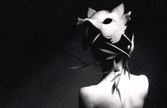 Fobia społeczna przedstawiona jako kobieta z maską wilka