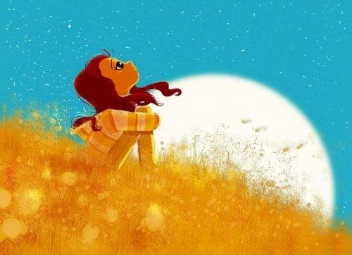 Kobieta spoglądająca w niebo