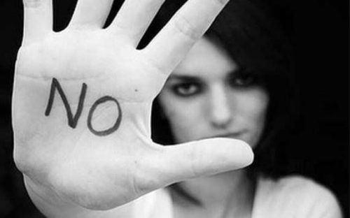 Kobieta mówiąca nie