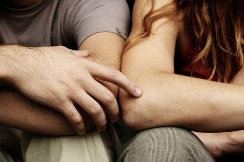 Zacznij rozmawiać, aby zbudować silny i długotrwały związek
