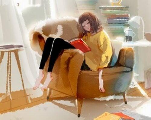 Samotność pozwala spać w fotelu z książką