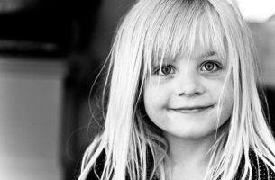 Uśmiechająca się dziewczynka