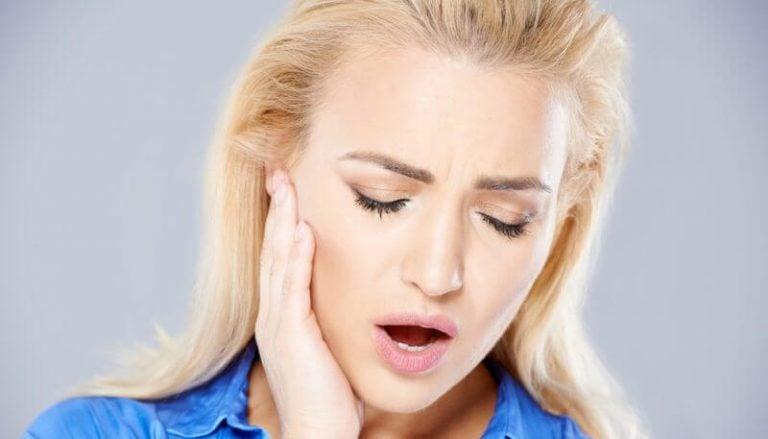 Bruksizm i przyczyny, dla których zgrzytamy zębami