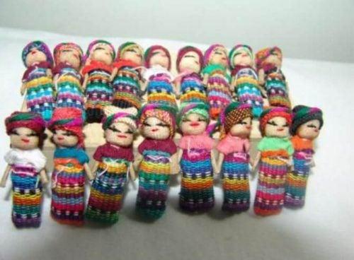 Laleczki na zmartwienia z Gwatemali