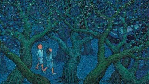 Ludzie idący przez ciemny las