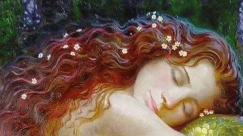 śpiąca ruda dziewczyna