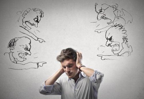 Krzyki i krytyka