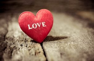 Serce z napisem miłość