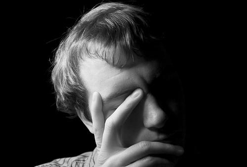 Zazdrość: kiedy przekształca się w formę patologiczną
