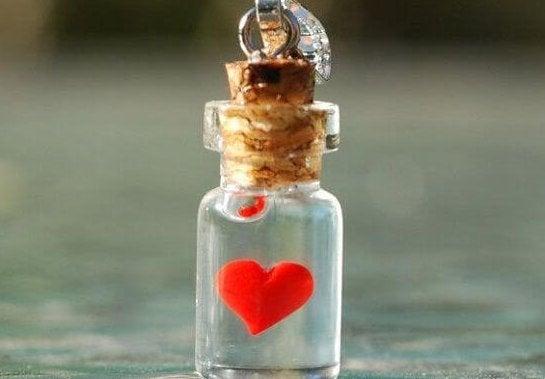 Buteleczka z sercem.