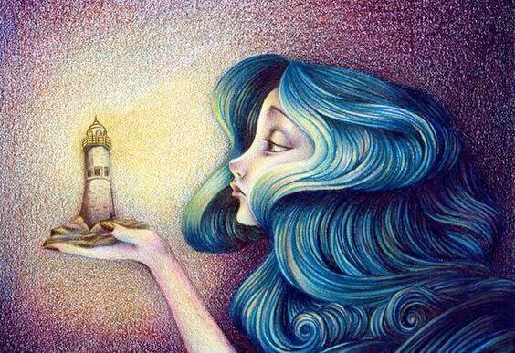 Dziewczyna z niebieskimi włosami trzyma w dłoni latarnię morską.