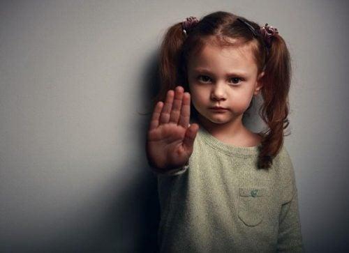 Przemoc w rodzinie – miłość jest o wiele lepszym nauczycielem