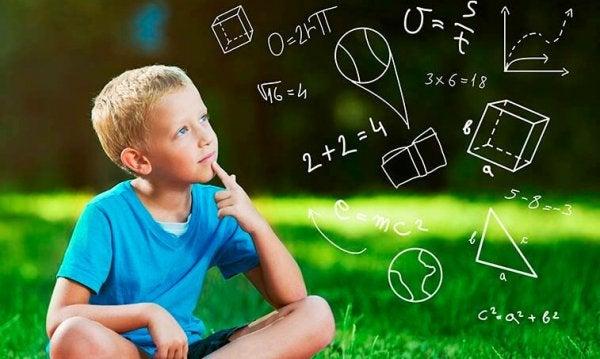 Chłopiec i równania matematyczne.
