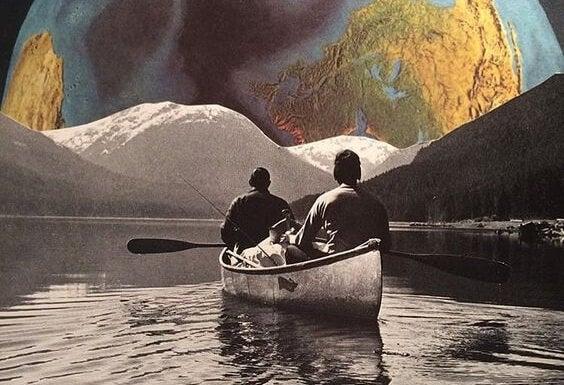 Dwóch mężczyzn w łódce.