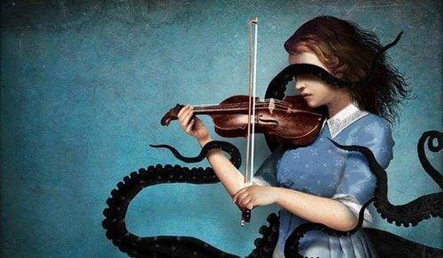 Zła strona - Dziewczyna o ramionach ośmiornicy gra na skrzypcach
