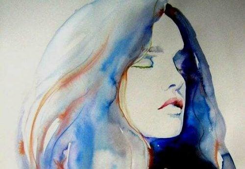 Kobieta myśli z zamkniętymi oczami