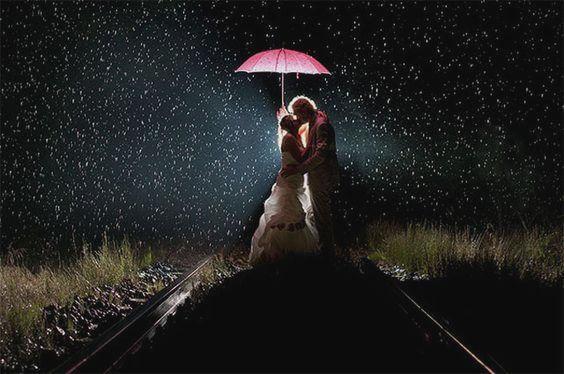 Para pod parasolem.