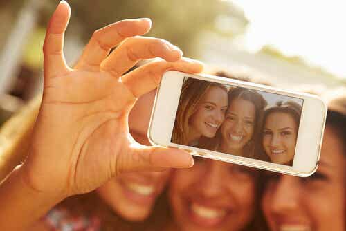 Selfie - 5 istotnych informacji, które się w nim kryją