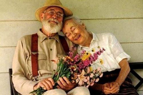 Szczęśliwi staruszkowie