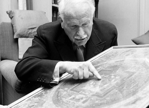 Carl Jung – 4 cytaty dotyczące osobistego rozwoju