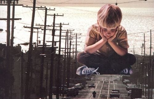 Dziecko na tle miasta