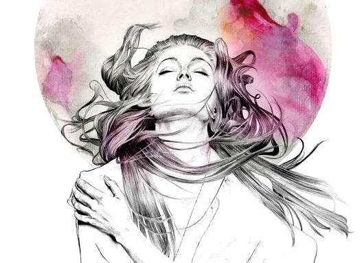 Kobieta z falującymi włosami.