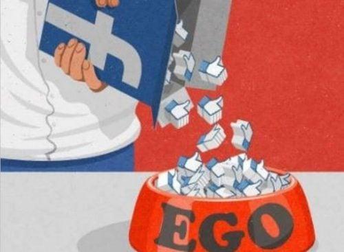 Sieci społecznościowe karmią ego