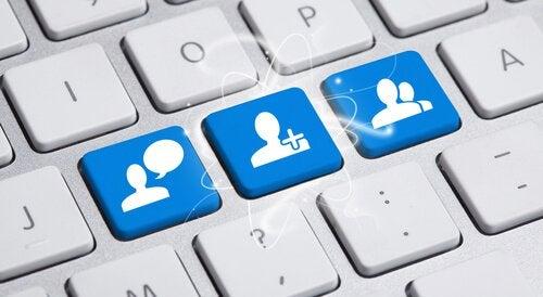 Sieci społecznościowe na klawiszach klawiatury