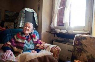 Sposób na długie życie - starsza kobieta.