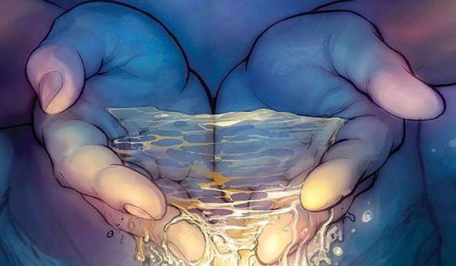 Małe gesty - przezroczysta woda w dłoniach.