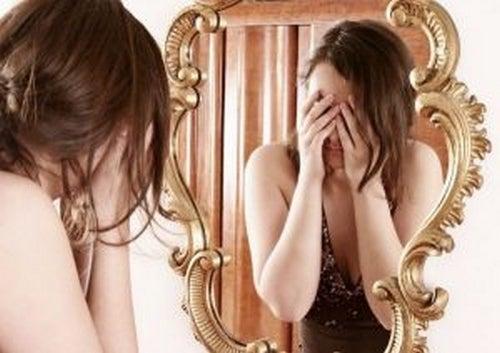 Dysmorfofobia - co to takiego i jak ją leczyć?