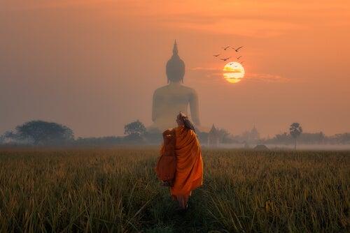 Historia o zatrutej strzale: buddyjska przypowieść o życiu teraźniejszością