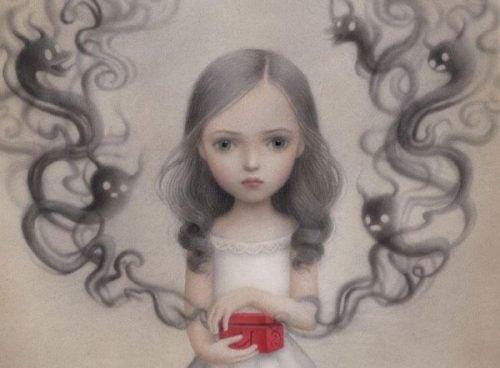 Dziewczynka z puszką Pandory w rękach