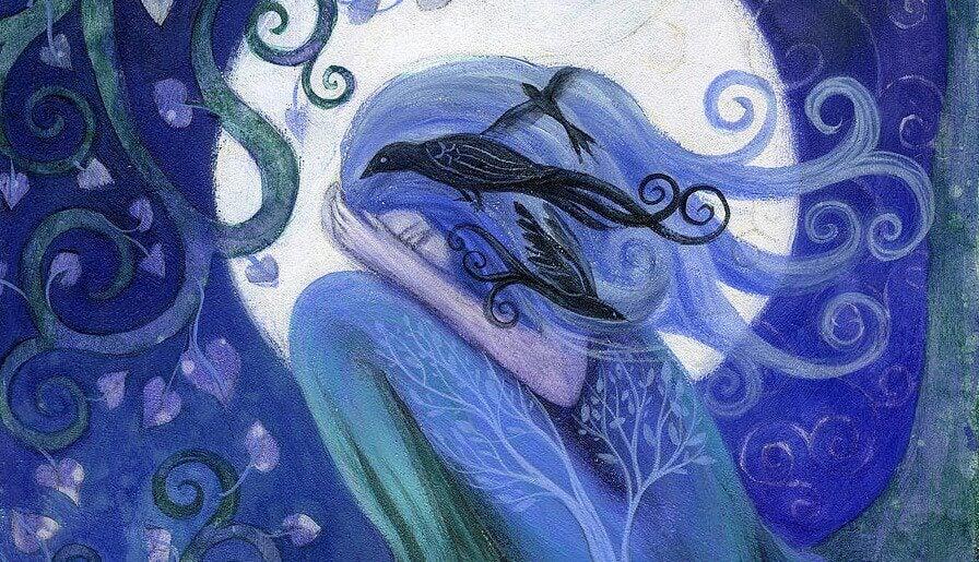 Kobieta nocą na tle księżyca